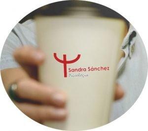 Contacta con Sandra - Vaso cafe de Psicologia con Sandra