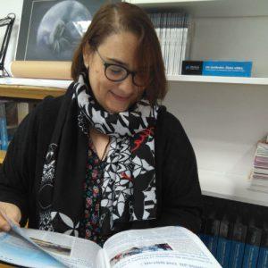 Psicologa Sandra Sanchez Leyendo